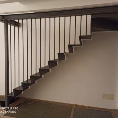 Scale in legno e metallo (4)