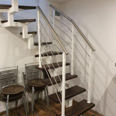 Scale in legno e metallo (5)