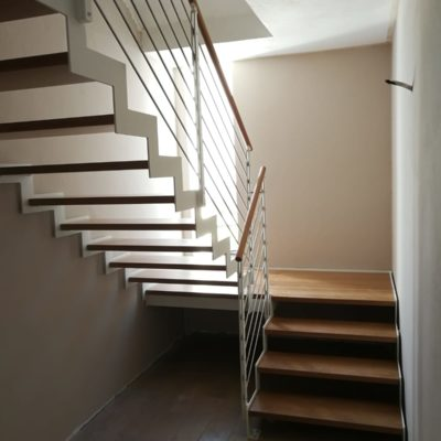 Scale in legno e metallo (7)